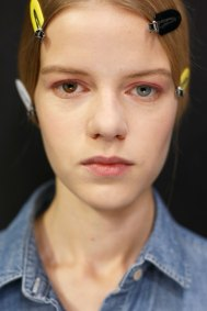 Dior-backstage-beauty-spring-2016-fashion-show-the-impression-088