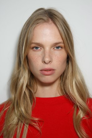 Emanuel-Ungaro-backstage-beauty-spring-2016-fashion-show-the-impression-018