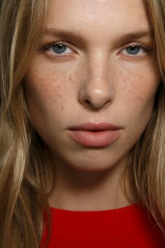 Emanuel-Ungaro-backstage-beauty-spring-2016-fashion-show-the-impression-020