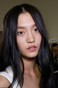 Emanuel-Ungaro-backstage-beauty-spring-2016-fashion-show-the-impression-041