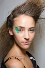 Issey-Miyake-spring-2016-beauty-fashion-show-the-impression-07