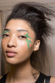 Issey-Miyake-spring-2016-beauty-fashion-show-the-impression-33