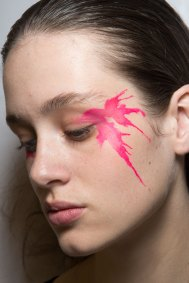 Issey-Miyake-spring-2016-beauty-fashion-show-the-impression-47