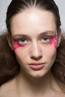 Issey-Miyake-spring-2016-beauty-fashion-show-the-impression-53