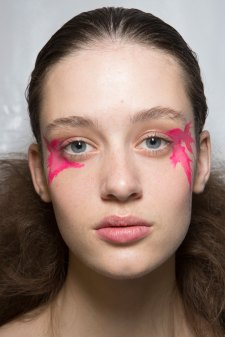 Issey-Miyake-spring-2016-beauty-fashion-show-the-impression-55