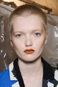 Kenzo-backstage-beauty-spring-2016-fashion-show-the-impression-030