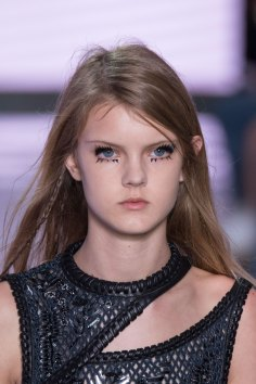 Louis-Vuitton-spring-2016-runway-beauty-fashion-show-the-impression-27
