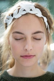 Moncler-Gamme-Rouge-spring-2016-beauty-fashion-show-the-impression-02