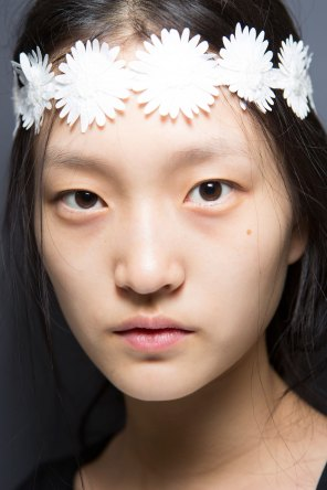 Moncler-Gamme-Rouge-spring-2016-beauty-fashion-show-the-impression-34