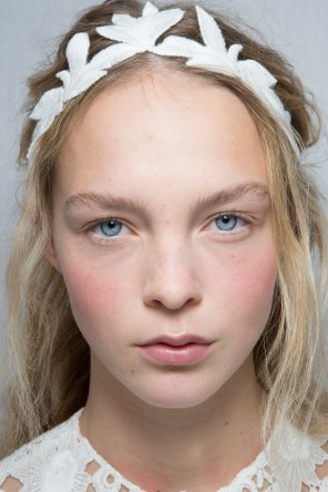 Moncler-Gamme-Rouge-spring-2016-beauty-fashion-show-the-impression-46