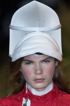 Moncler-Gamme-Rouge-spring-2016-runway-beauty-fashion-show-the-impression-48