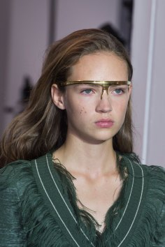 Paco-Rabanne-spring-2016-runway-beauty-fashion-show-the-impression-04