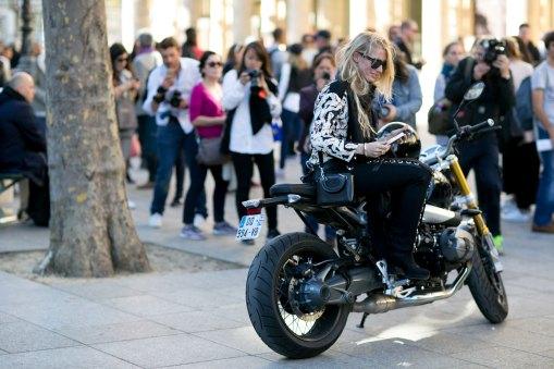 Paris-fashion-week-street-style-day-4-september-2015-the-impression-019