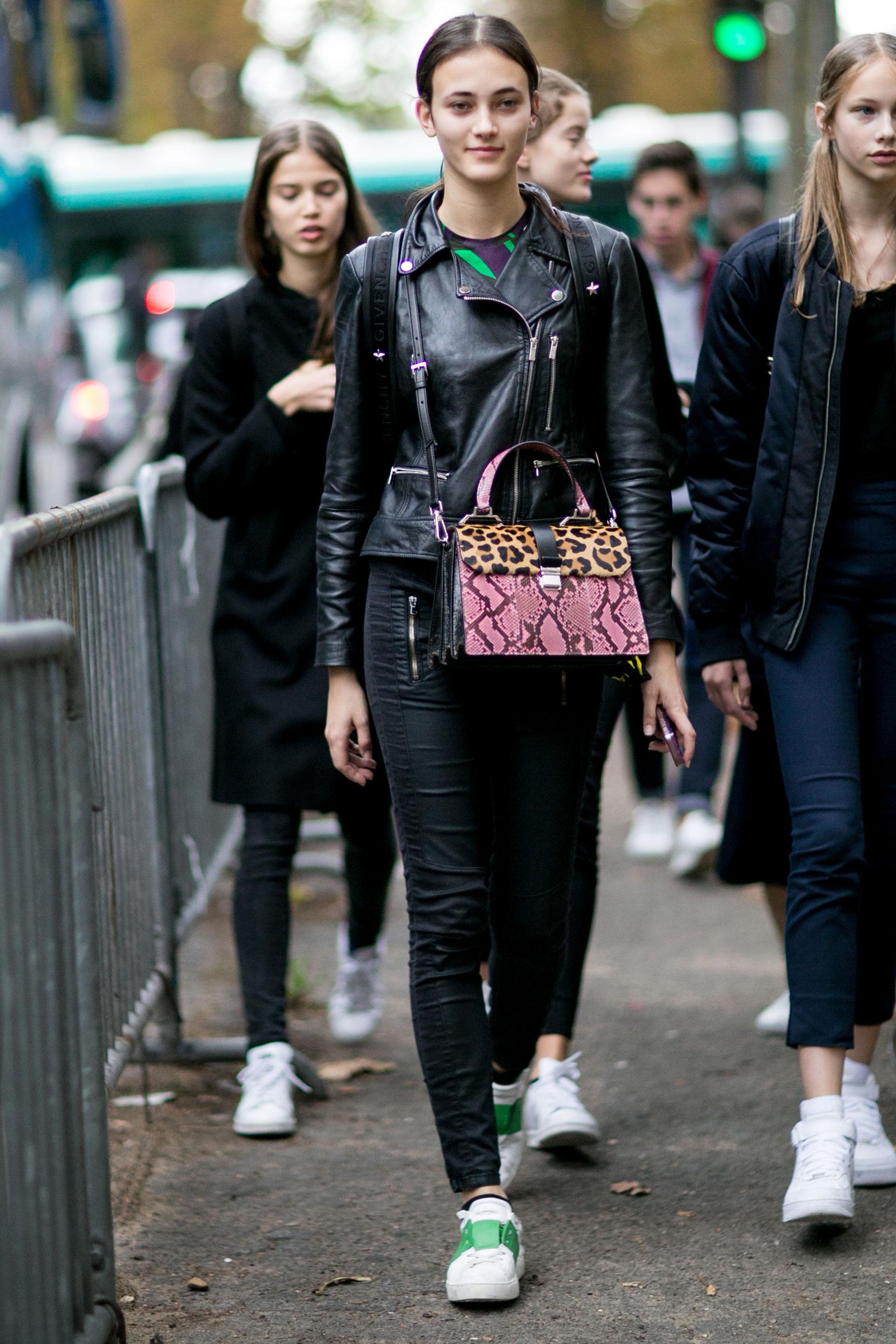 Paris-fashion-week-street-style-day-9-october-2015045