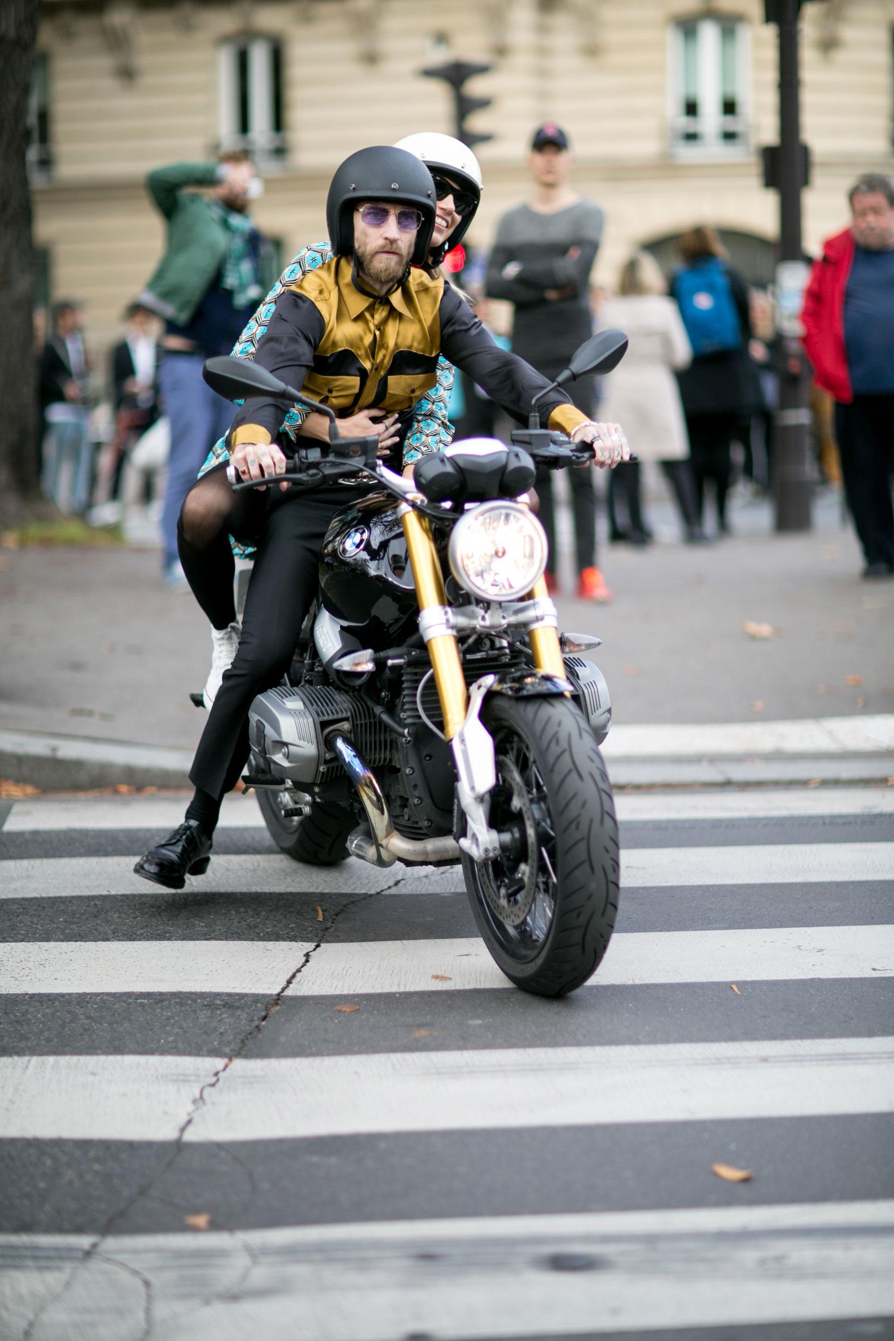 Paris-fashion-week-street-style-day-9-october-2015115