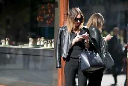 Paris-fashion-week-street-style-september-2015-day-3-the-impression-068