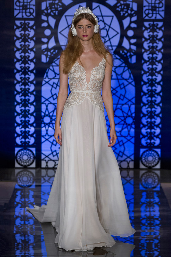 Reem-Acra-fall-2016-bridal-fashion-show-the-impression-09