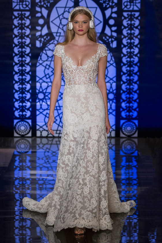Reem-Acra-fall-2016-bridal-fashion-show-the-impression-12