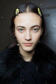 Sacai-spring-2016-beauty-fashion-show-the-impression-18