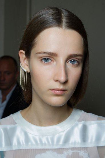 Sacai-spring-2016-beauty-fashion-show-the-impression-33