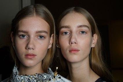 Sacai-spring-2016-beauty-fashion-show-the-impression-34