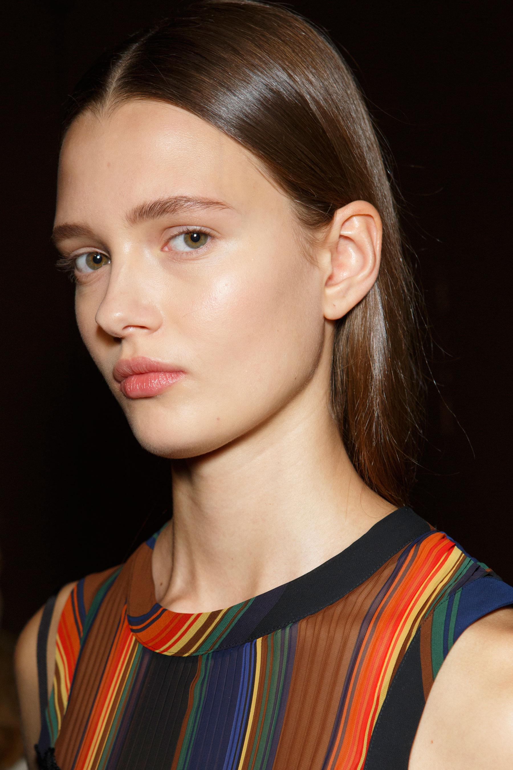 Sacai-spring-2016-beauty-fashion-show-the-impression-81