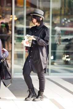 Tokyo-street-style-day-2-spring-2016-the-impression-031