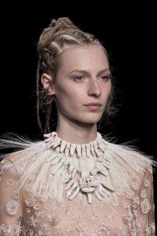 Valentino-spring-2016-runway-beauty-fashion-show-the-impression-23