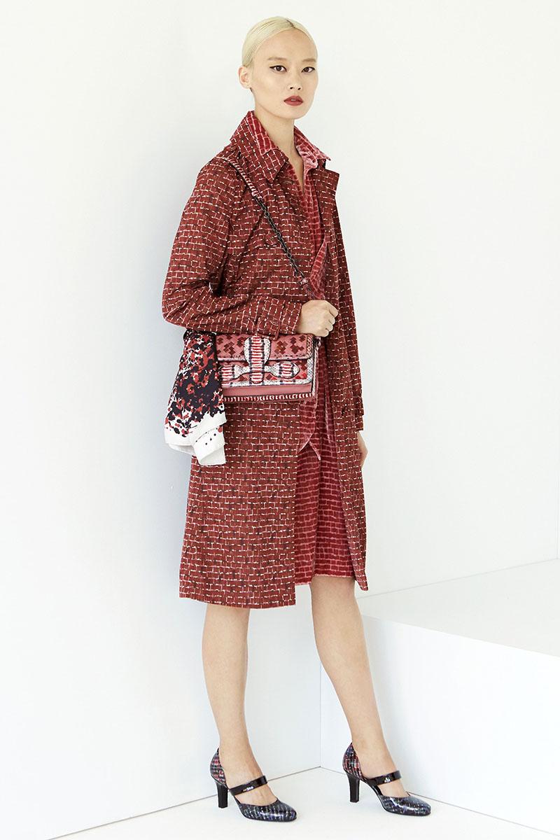 Bottega-Veneta-fashion-show-resort-2017-ready-to-wear-the-impression-10