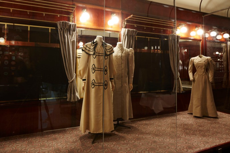 Louis-Vuitton-Volez-Voguez-Voyagez-tokyo-exhibit-the-impression-13