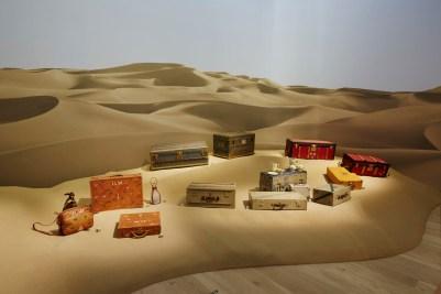 Louis-Vuitton-Volez-Voguez-Voyagez-tokyo-exhibit-the-impression-15