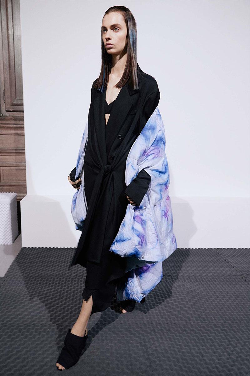 Acne-Studios-resort-2017-fashion-show-the-impression-09