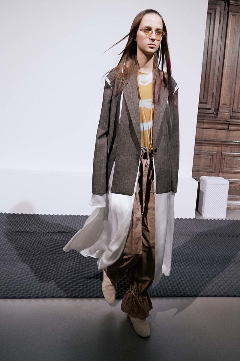Acne-Studios-resort-2017-fashion-show-the-impression-17