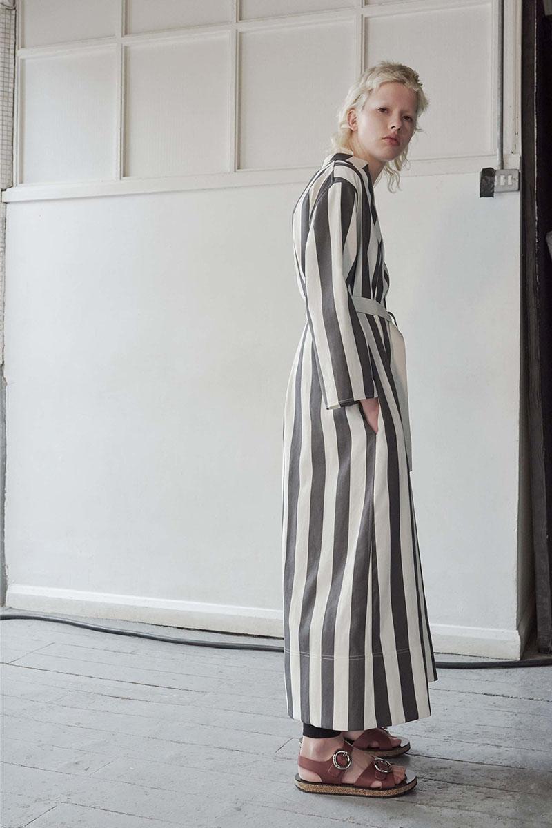 Joseph-resort-2017-fashion-show-the-impression-07