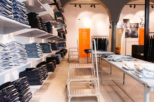 Nudie Jeans Repair Shop München (29 von 46)