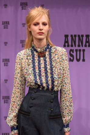 Anna Sui bks I RS17 4925