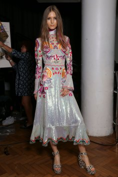 Temperley Lo bks S RS17 0273