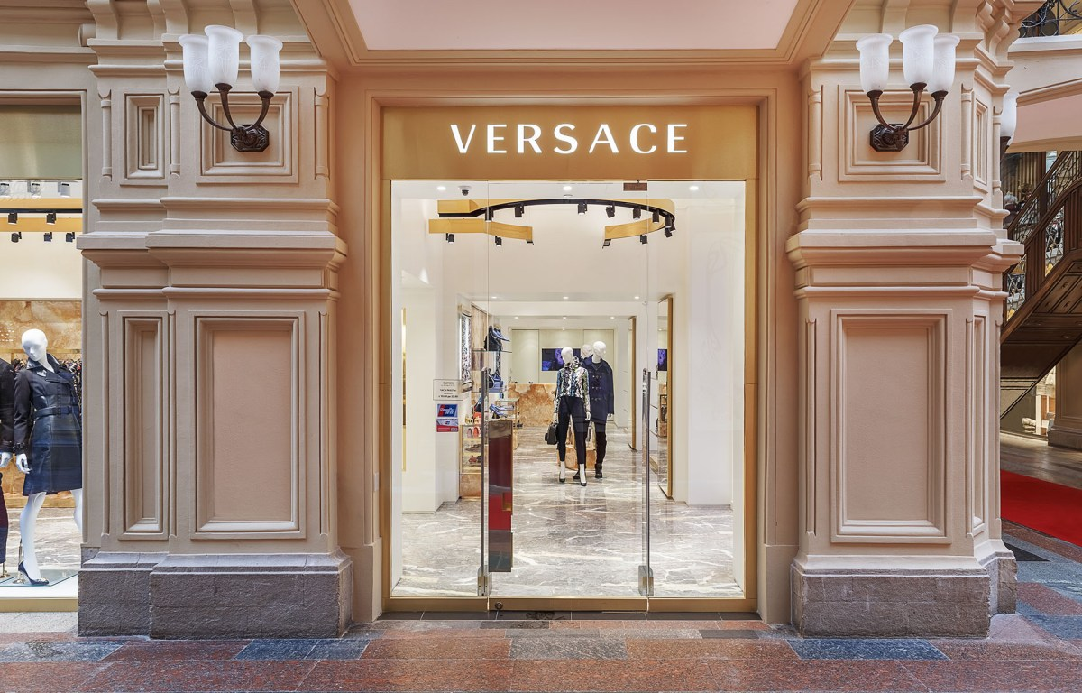 Versace-moscow-store-scout-the-impression-01