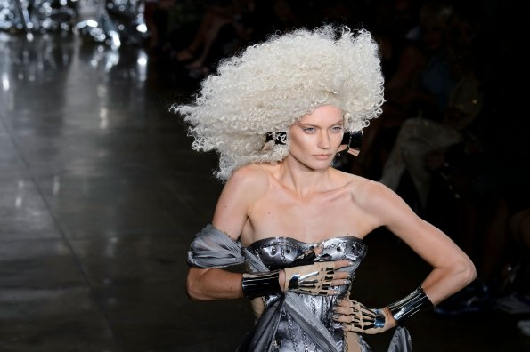 The Blonds atm RS17 9254