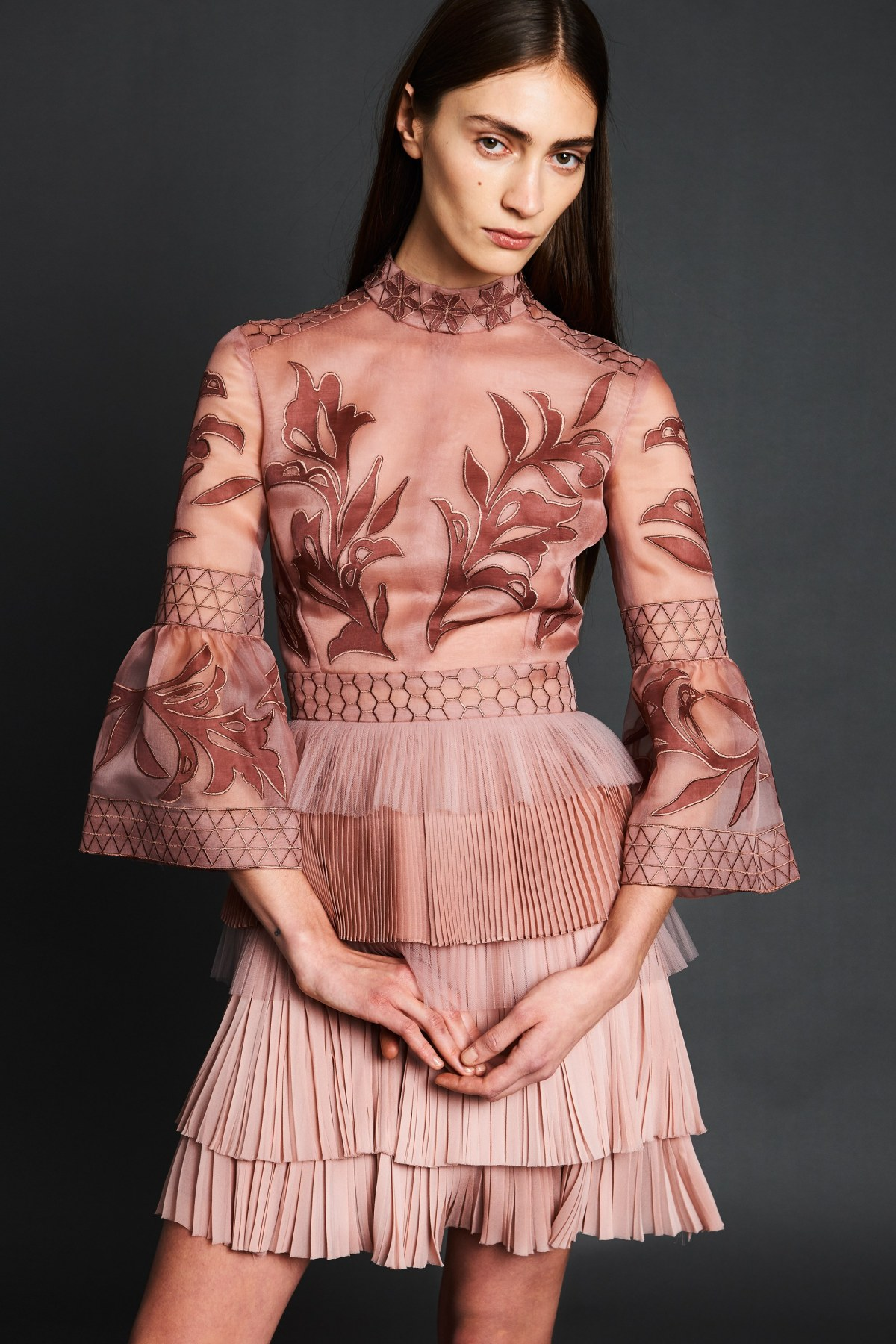 j-mendel-pre-fall-2017-fashion-show-the-impression-17