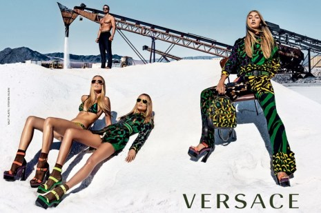 Versace-spring-2016-ad-campaign-the-impression-01