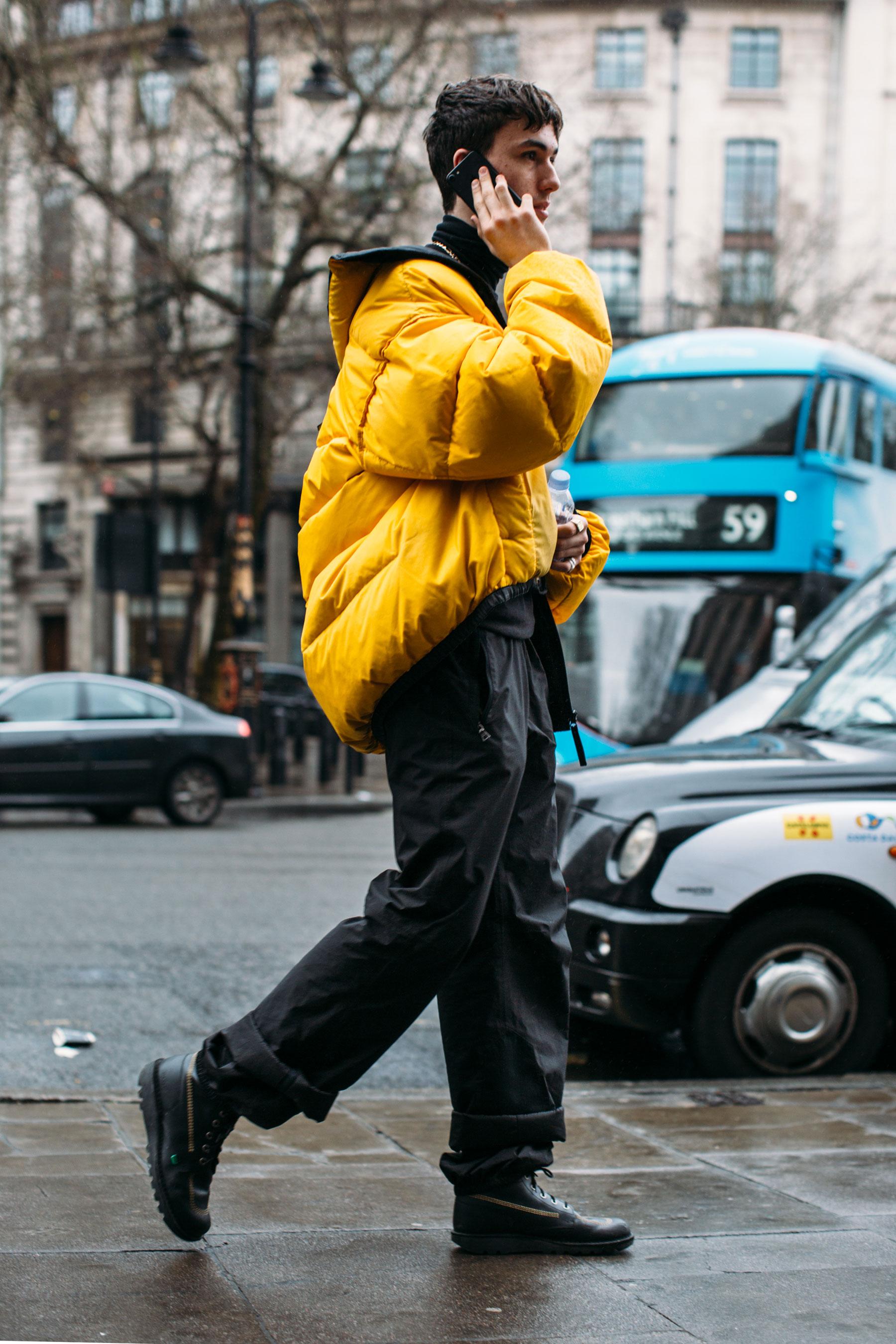 London m str RF17 8568