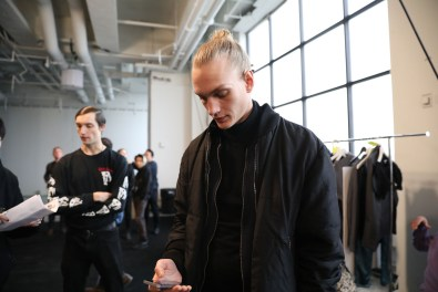 Robert-Geller-Fall-2017-mens-fashion-show-backstage-the-impression-060