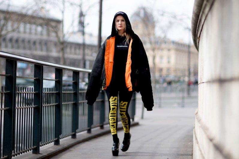 Paris str RF17 4645