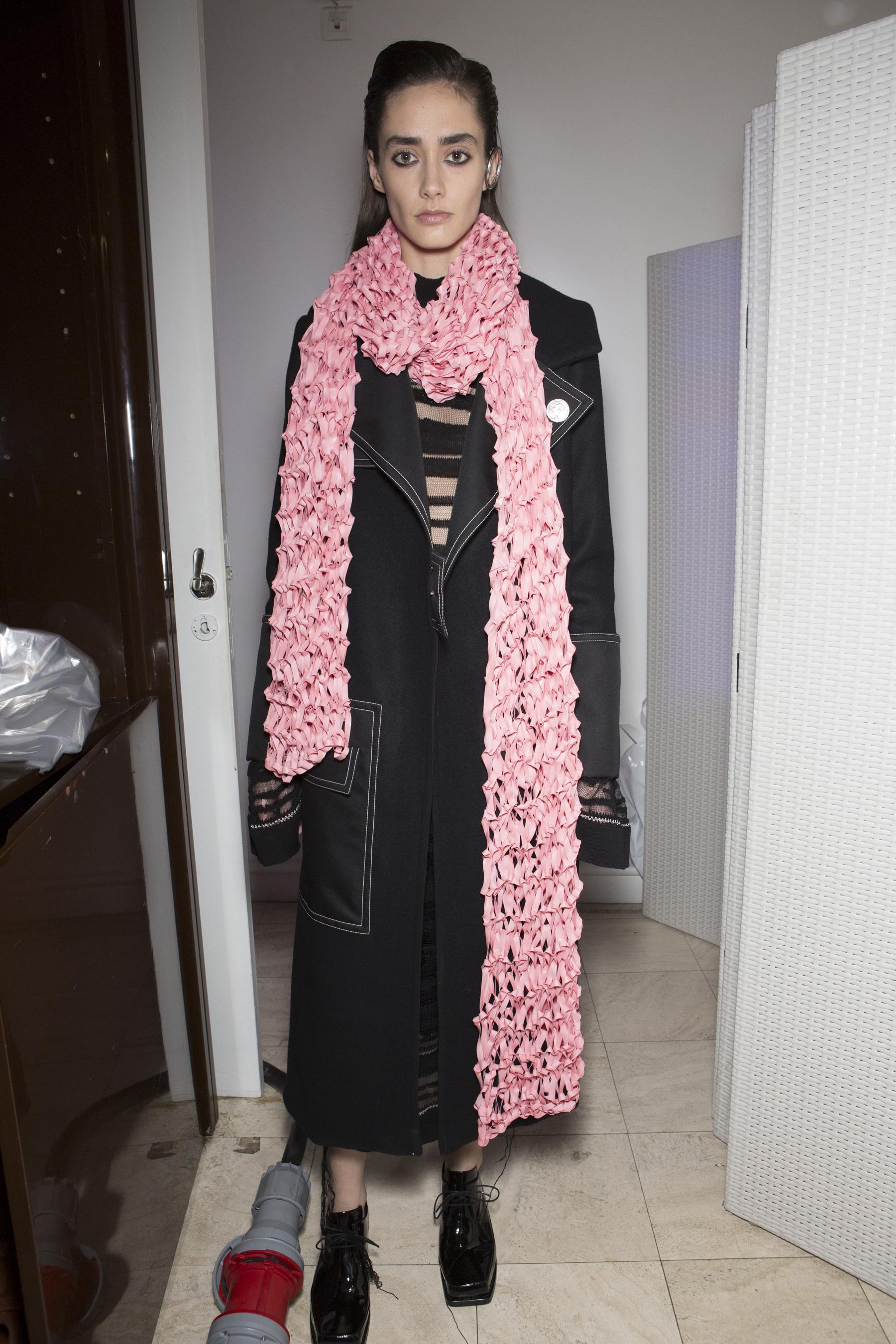 Wanda Nylon bks Z RF17 5149