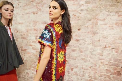 Valentino-resort-2018-backstage-fashion-show-the-impression-039