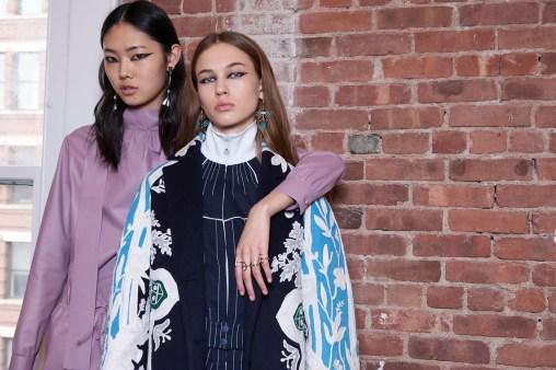 Valentino-resort-2018-backstage-fashion-show-the-impression-103