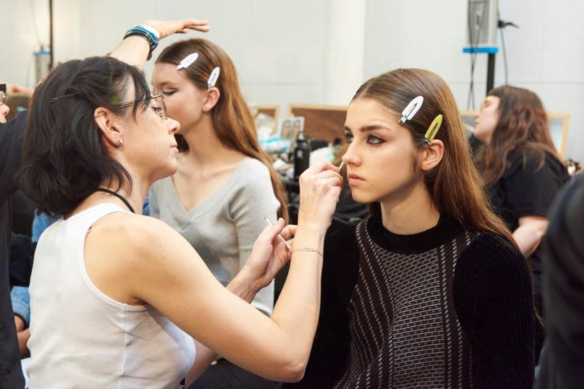 Valentino-resort-2018-beauty-fashion-show-the-impression-04