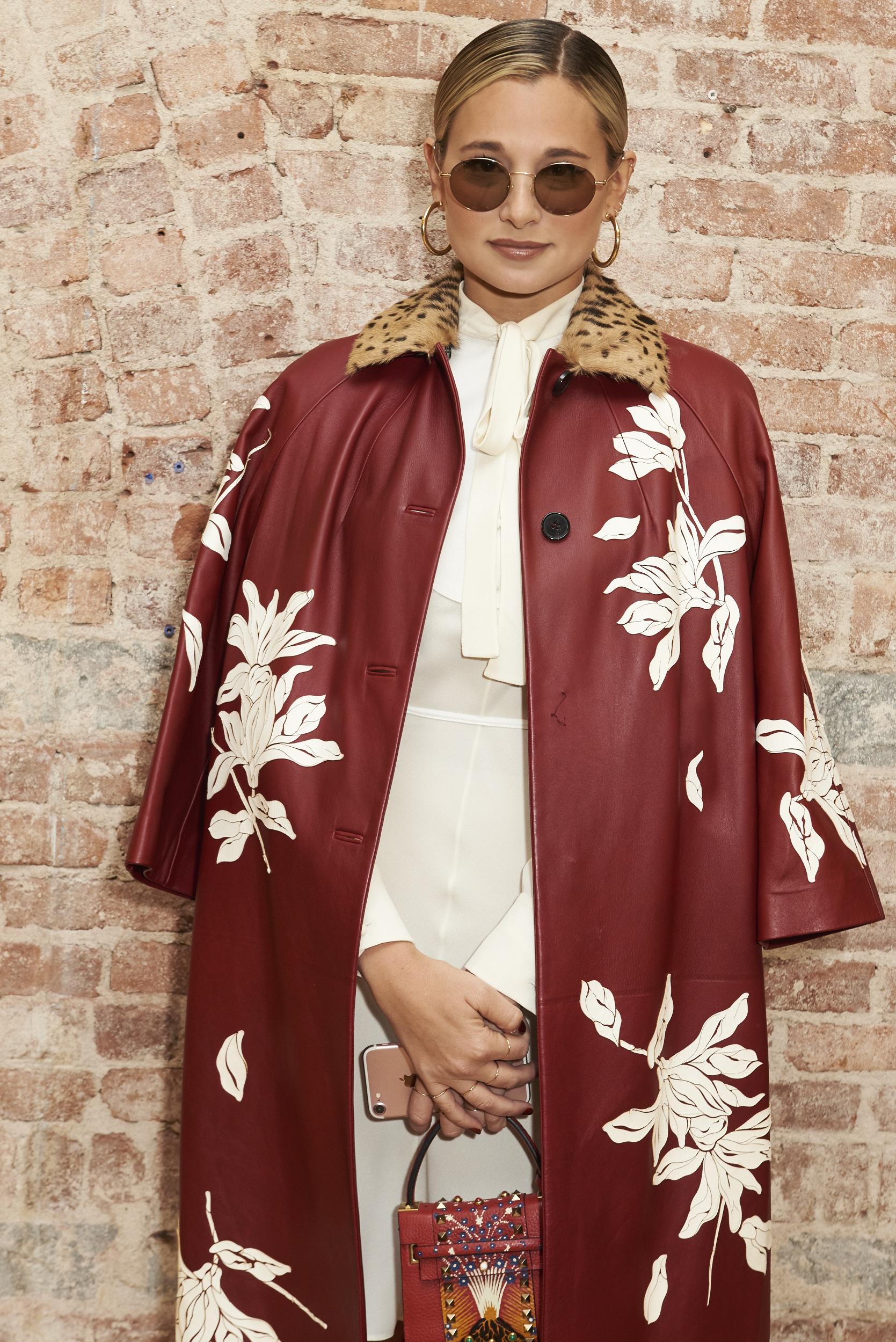 Valentino-resort-2018-front-row-fashion-show-the-impression-001