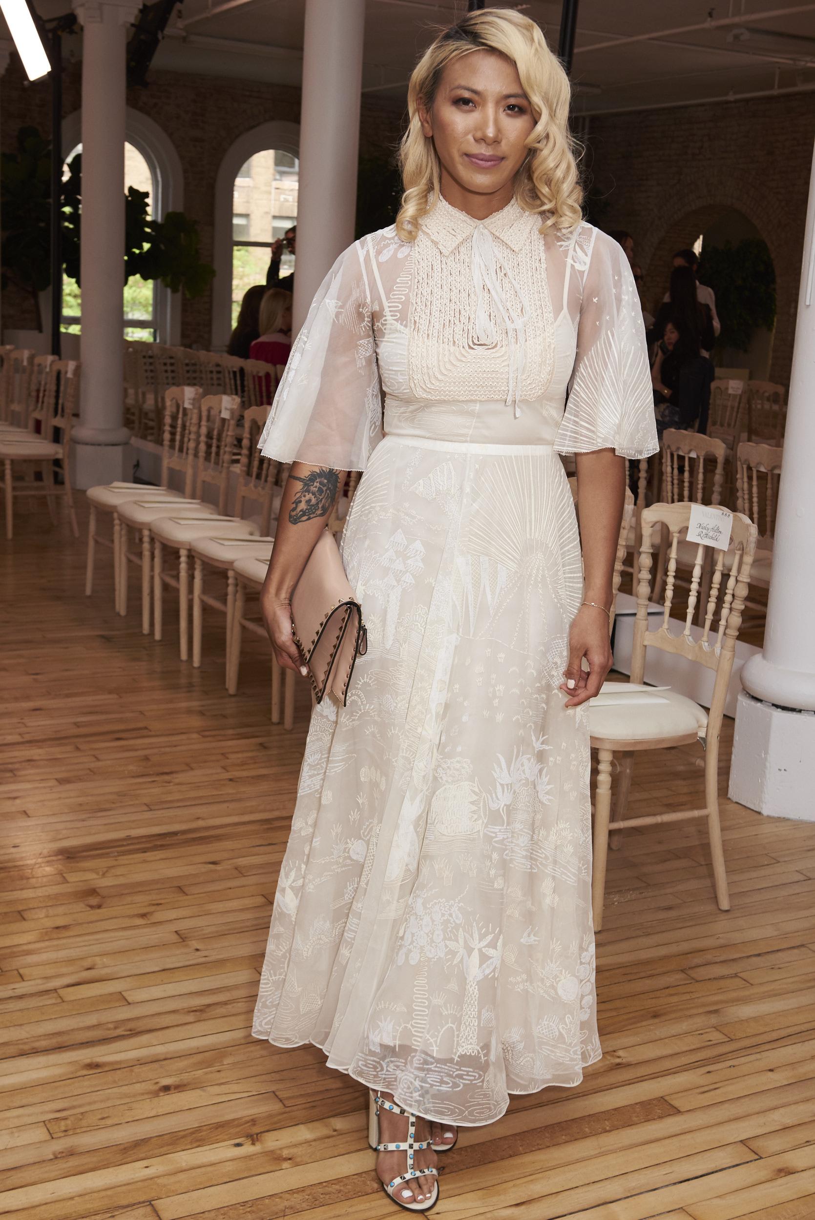 Valentino-resort-2018-front-row-fashion-show-the-impression-003
